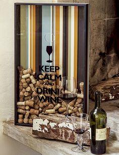 O porta-rolhas evita cortiça espalhada pelos cantos e dá um toque divertido ao encontro regado a vinho