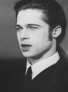 """Brad Pitt as Louis de Pointe du Lac in """"Interview with the Vampire: The Vampire Chronicles"""" (1994)"""