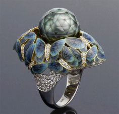 """Ilgiz F's """"Butterflies"""" ring with faceted pearls that appear to float freely amongst fluttering butterflies, saw the Russian jeweller secure first place in the 2013 International Jewellery Design Excellence Awards in Hong Kong."""