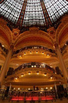 Gallerie Lafayette- Paris by Liam Cheasty, via Flickr