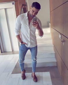 """5,095 kedvelés, 86 hozzászólás – Ramón Alba ® (@raemonalba) Instagram-hozzászólása: """"Buenos días!! ☕☉ Vamos a empezar la semanita!! ________________________ Camisa @massimodutti…"""""""