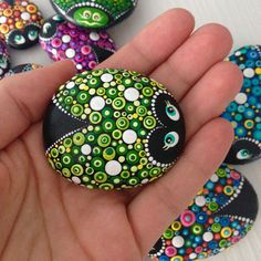 Green lucky Ladybug on a Stone, dotart painted Ladybug, painted Lady beetle, Painted rocks, garden r Dot Art Painting, Mandala Painting, Pebble Painting, Woman Painting, Pebble Art, Mandala Art, Stone Painting, Dot Painting On Rocks, Rock Painting Ideas Easy