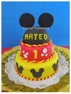 Torta doble Orejas de Mickey. / Mickey ears cake
