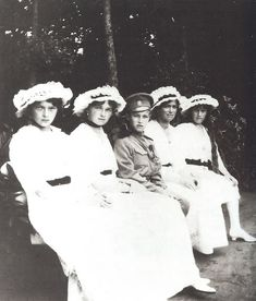 Grand Duchesses Tatiana, Olga, Tsarevich Alexei, Marie & Anastasia circa 1915