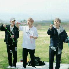 Baekhyun, Exo Exo, Exo Chen, Bts And Exo, Gif, Idol, Heaven, Ships, Sky