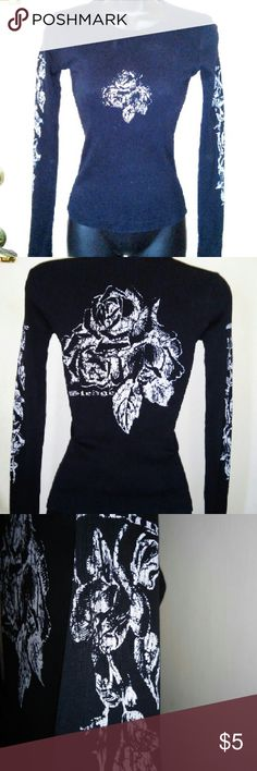 "T-shirt black long sleeve small top floral Preowned  SLEDGE USA small Cotton 100% Waist 10.5"" Sleeve 24.5"" Underarm to underarm 13"" Length 21.5"" Rose leaf pattern on front, back and sleeves sledge USA  Tops"