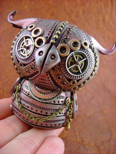 Creates amazing steampunk-ish Industrialized Creatures etc. out of polymer clay.