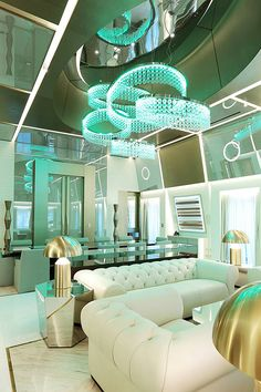 Si eres amante del lujo, de los hoteles glamurosos y de las suites impresionantes, puedes pensar en regalar –o regalarte- una estancia en la que por segundo año consecutivo ha conseguido el honor de ser premiada como la Mejor Suite del Mundo, en los prestigiosos premios World Travel Awards. Hablamos de la Katara Royal Suite, …
