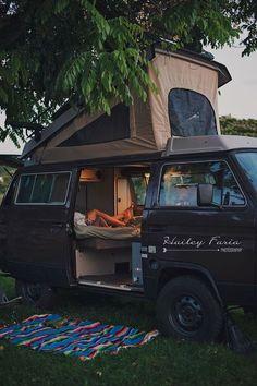 14 Van Life Pictures That Will Inspire You To Hit The Road - camping Vw Bus, Vw T3 Camper, Vw Caravan, Camper Life, Rv Campers, Wolkswagen Van, Kombi Trailer, Vw T3 Syncro, Volkswagen Westfalia