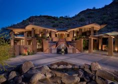 Modern ranch house surrounded by a stunning Wyoming landscape architecture int. Style At Home, Houzz, Wyoming, My Dream Home, Dream Homes, Dream Big, Home Fashion, Home Decor Inspiration, Decor Ideas