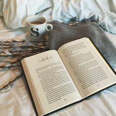 good morning . currently getting ready for work, wishing I could stay in bed and read. #books #bookish #bookclub #bibliophile #bookstagram #bookworm #reading #ednosrecovery #ednos #anarecovery #miarecovery #igreads #reader #bookaholic #book #bookgeek #belzhar