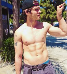 mr steven mcqueen what a lovely young man! Steven Mcqueen, Mcqueen 3, Elena Gilbert, Hot Actors, Actors & Actresses, Vampire Diaries, Shirtless Men, Man Crush, Sensual