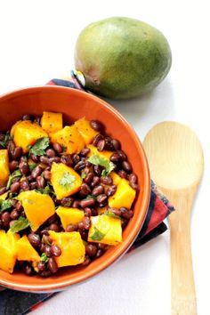 Black Bean and Mango Salad #vegan #gluten_free via sonisfood.com