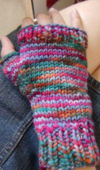 midnight knitter - potluck mittens - free mitten pattern