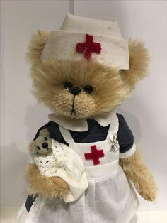 Teddy Edwards, Bear Wallpaper, Love Bear, Animation, Cute Little Animals, Australian Artists, Teddy Bears, Mice, Nurses
