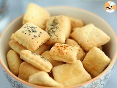 Biscuits apéritif faits maison Vegan Recipes, Snack Recipes, Cooking Recipes, Good Food, Yummy Food, Sweet Cupcakes, Pastry And Bakery, Biscuit Cookies, Savory Snacks
