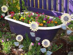 Oh my word! We can't see a being used as a garden pot! Especially when it can be to look brand spanking new! Garden Art, Dream Garden Backyards, Outdoor Gardens, Yard Art, Garden Deco, Gardening Trends, Garden Supplies, Fairy Garden, Magical Garden