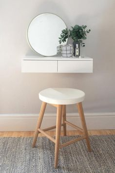 Small Floating Dressing Table White – Urbansize Source by gina_wissel table ideas Furniture For Small Spaces, Decorating Small Spaces, Home Furniture, Ikea Small Spaces, Furniture Design, Small Bedroom Furniture, Room Ideas Bedroom, Bedroom Decor, Bedroom Table