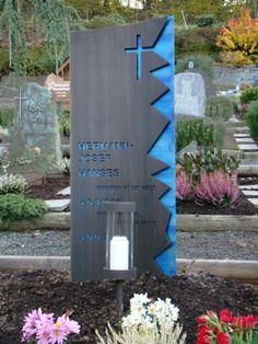 Abtei Königsmünster - Grabzeichen Messing Bronze Titan Hanses Bronze, Stone Carving, Cemetery, Funeral, Headstone Ideas, Sculptures, Grave Markers, Memories, Statues