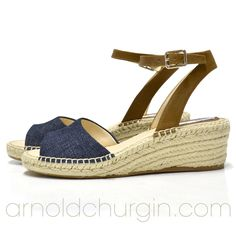 Arnold Churgin Sabrinna #fashionblogger #sandals #shoefie #shoes #fashioncanada #wedges Beautiful Shoes, Fashion Shoes, Flip Flops, Espadrilles, High Heels, Wedges, Sandals, Accessories, Cute Wedges Shoes