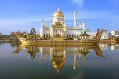 Omar Ali Saifuddin Mosque  Bandar Seri Begawan, Brunei Darussalam