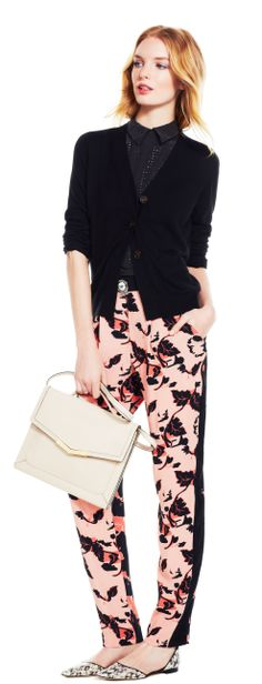 Dark Shadows  Keep a bold print the focal point of your look with minimal black accents.
