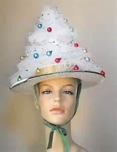Vintage Handmade Christmas Tree Party Hat Make for tacky party. Tacky Christmas Party, Christmas Tree Hat, Tacky Christmas Sweater, Handmade Christmas Tree, Christmas Costumes, Vintage Christmas, White Christmas, Xmas Party, Funny Christmas Hats