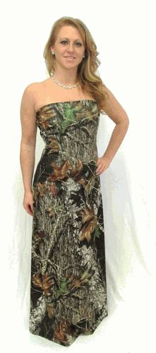 The Big Red Neck Trading Post - Roxanne Mossy Oak Camo Gown, $190.00 (http://www.thebigrednecktradingpost.com/products/roxanne-mossy-oak-camo-gown.html)