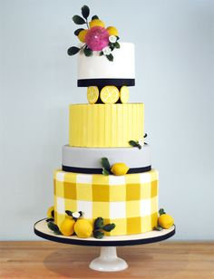Lenora   Charm City Cakes West... This should've been my wedding cake.