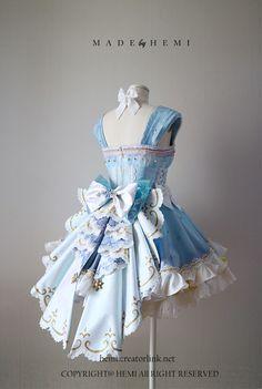 Kawaii Fashion, Lolita Fashion, Cute Fashion, Pretty Outfits, Pretty Dresses, Beautiful Outfits, Kawaii Dress, Kawaii Clothes, Old Fashion Dresses