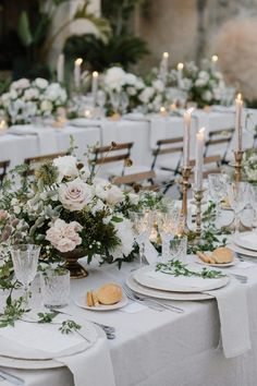 English Backyard, Floral Wedding ceremony Inspiration - Your world of knowledge Wedding Sets, Chic Wedding, Wedding Trends, Floral Wedding, Wedding Flowers, Glamorous Wedding, Perfect Wedding, Wedding Happy, Tuscan Wedding