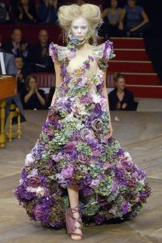 Alexander mcQueen - Real flowers dress, overtime these flowers die and fall off