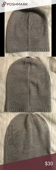 75ad798d292 Shop Women s Timberland Gray size OS Hats at a discounted price at  Poshmark. Description  Timberland Slouchy Knit Beanie Women s OSFM Acrylic  Approximate ...
