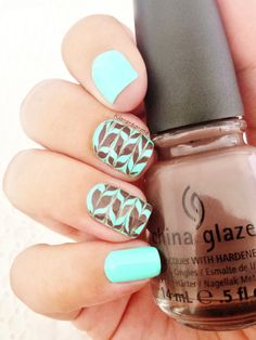 Mille Feuilles Menthe Chocolat Biguine - Menthe Glacée n°23505 China Glaze - Foie Gras (The Hunger Games collection) n°80614