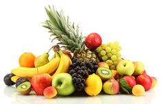 What are the most consumed fruits in the US? We all know that fruits and vegetables are among the healthiest food we can eat. Quick Weight Loss Tips, Weight Loss Snacks, Healthy Weight Loss, Easy Cabbage Soup, Cabbage Soup Recipes, Best Fruits For Diabetics, Fruit Orange, Fruit Gifts, Wie Macht Man