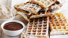 Wafels van de grootmoeder | VTM Koken Crepes, Savory Waffles, Dessert Sauces, Breakfast Pancakes, Beignets, French Food, Mardi Gras, Afternoon Tea, Just Desserts