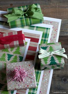 Printable Holiday Gift Wrap: Kraft