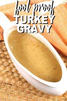 This easy turkey gravy recipe is a classic. It works whether or not you have pan drippings from a roasted turkey. This easy turkey gravy recipe is a classic. It works whether or not you have pan drippings from a roasted turkey. Best Turkey Gravy, Making Turkey Gravy, Turkey Gravy From Drippings, Baked Turkey Wings, Turkey Chicken, Chicken Gravy, Homemade Gravy Recipe, Homemade Turkey Gravy, Best Thanksgiving Recipes