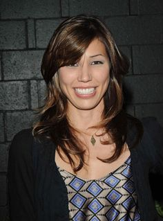 Love the long side bangs / fringe look with mid-length hair, seen here on Michaela Conlin. Michaela Conlin, Long Side Bangs, Cute Haircuts, Mid Length Hair, Celebrity Hairstyles, Hair Lengths, New Hair, Hair Inspiration, Fashion Beauty