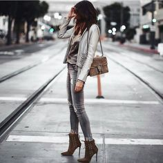 Extra Petite - Fashion, style tips, and outfit ideas Sneaker Outfits, Nike Shoes Outfits, Sport Outfits, Trendy Outfits, Fashion Outfits, Hiking Outfits, Extra Petite Blog, Super Petite, Winter Outfits For Work