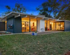 Almost 65 years since the first of them were constructed in the suburbs of San Francisco, homes built by the hugely influential California developer Joseph Eichler are more popular...