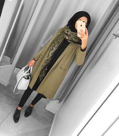 How to Style Hijab Outfit For Winter On This Season Modern Hijab Fashion, Street Hijab Fashion, Hijab Fashion Inspiration, Islamic Fashion, Muslim Fashion, Casual Hijab Outfit, Hijab Chic, Mode Outfits, Fashion Outfits