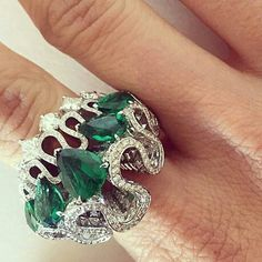 gorgeous Dior ring! repost from @mduenasjacobs  @Dior #oneofakind #victoiredecastellane#want