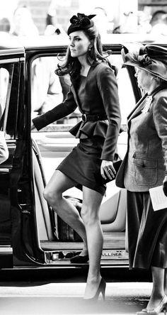 Duchess Kate, Duke And Duchess, Duchess Of Cambridge, Kate Middleton Legs, Kate Middleton Photos, Pippa Middleton Bridesmaid, Principe William Y Kate, Princesse Kate Middleton, Kate And Pippa