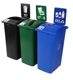 Oficina Positiva, con contenedores de reciclaje XL con letrero