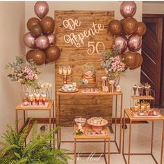 Check out tips infallible for your party 50 years to be a great success and inspire yourself with dozens of decorating suggestions for you to create yours! Rustic Birthday, Elegant Birthday Party, Gold Birthday Party, Birthday Parties, Birthday Balloons, Simple Birthday Decorations, 50th Birthday Party Decorations, 50th Party, Moms 50th Birthday