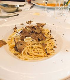 #delishes #spaghetti with #Truffle at the #Rossosiena in #Berlin #Zehlendorf. #yammy #spaghettini #foodblogger #foodporn #foodporn # #f4f #l4l #foodie #restaurant #dish #mittagessen #aroma #cityfood #italienisch #Italian