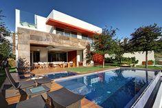 Casa S located in Guadalajara, Mexico by Lassala Elenes Arquitectos