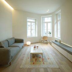 Ein Innenraum Mit Holz Und Weiß Getönt