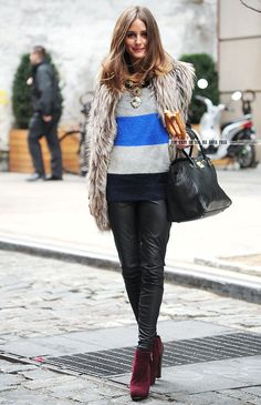 Olivia Palermo Streetstyle. Easy going outfit with a statement necklace